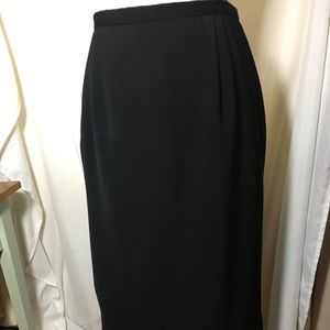 Like New Briggs Lined Maxi Pencil Skirt. 💕🛍